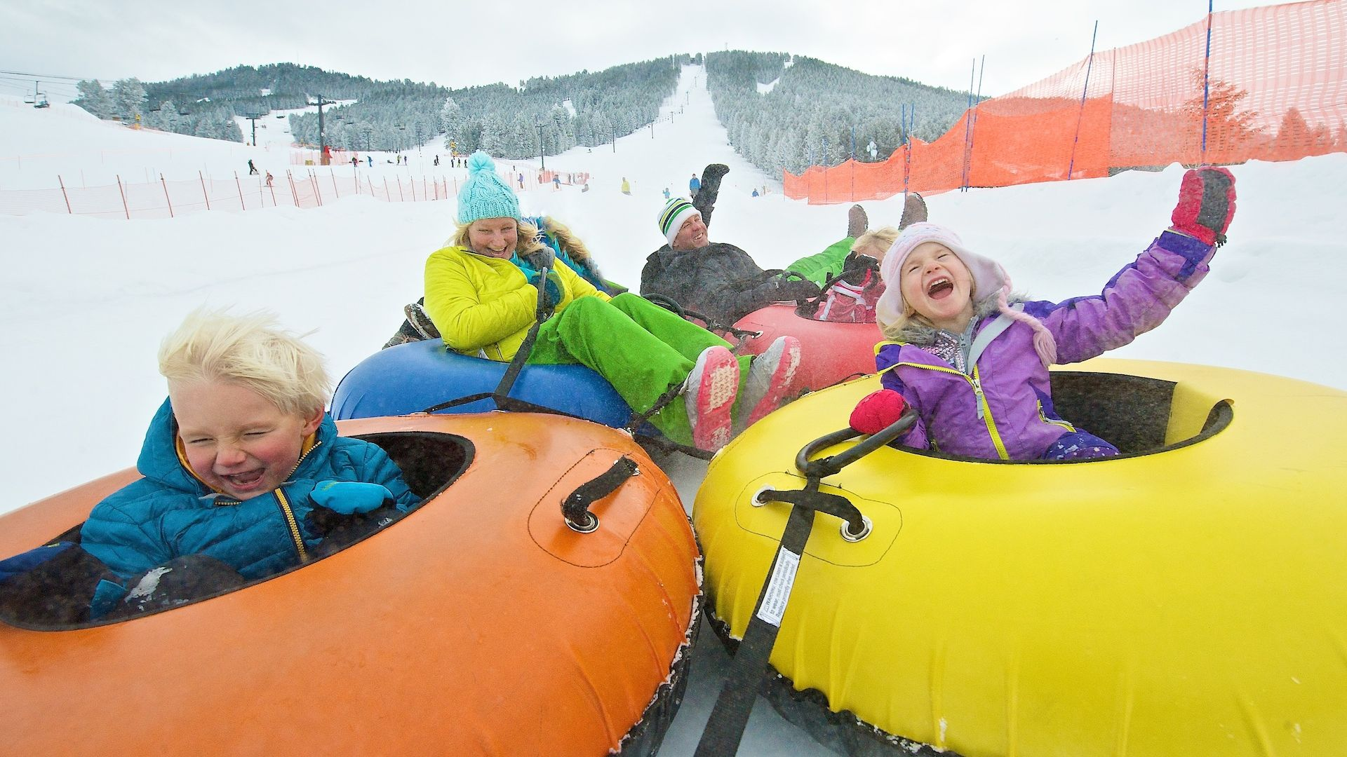 Snow tubing in jackson hole wyoming winter kids for Things to do in jackson wy