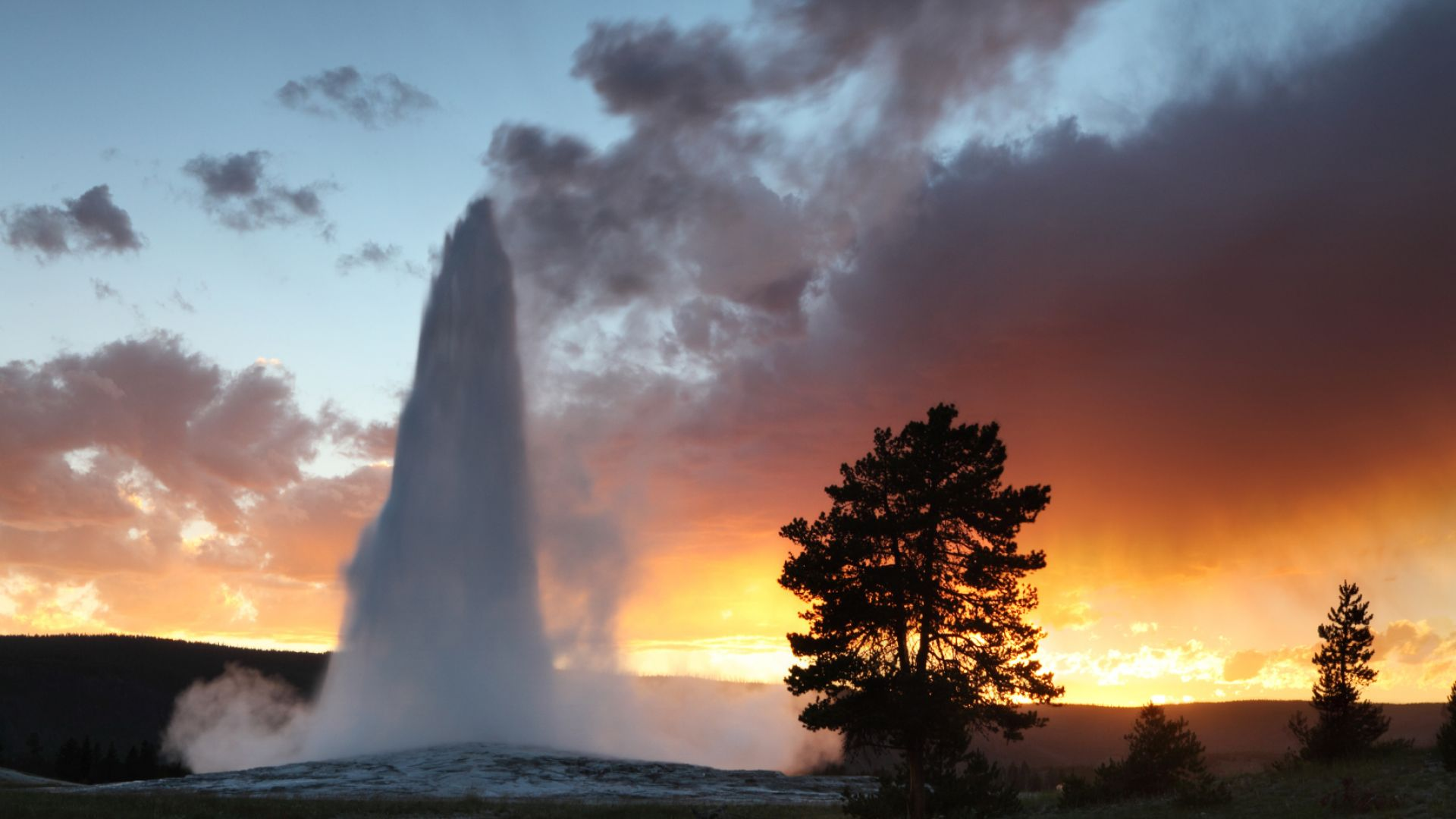 Usa today ranks yellowstone among the best summer vacation for Jackson hole summer vacation
