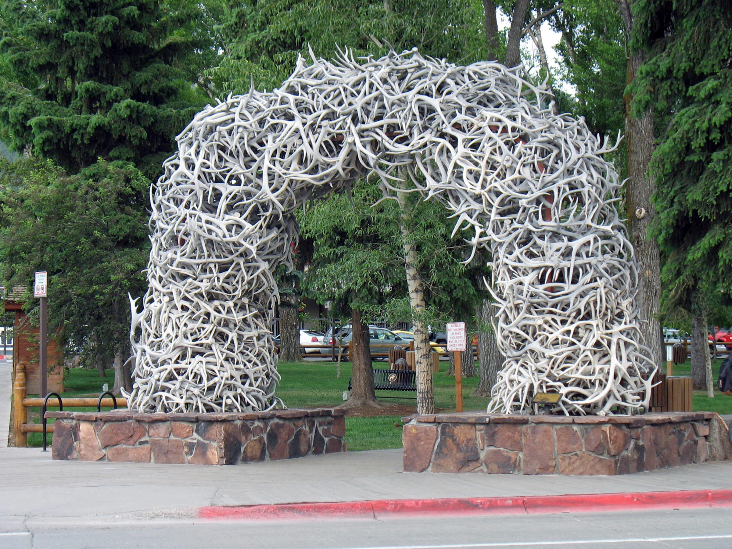 Staying in jackson vs teton village in jackson hole for Best places to eat in jackson wy