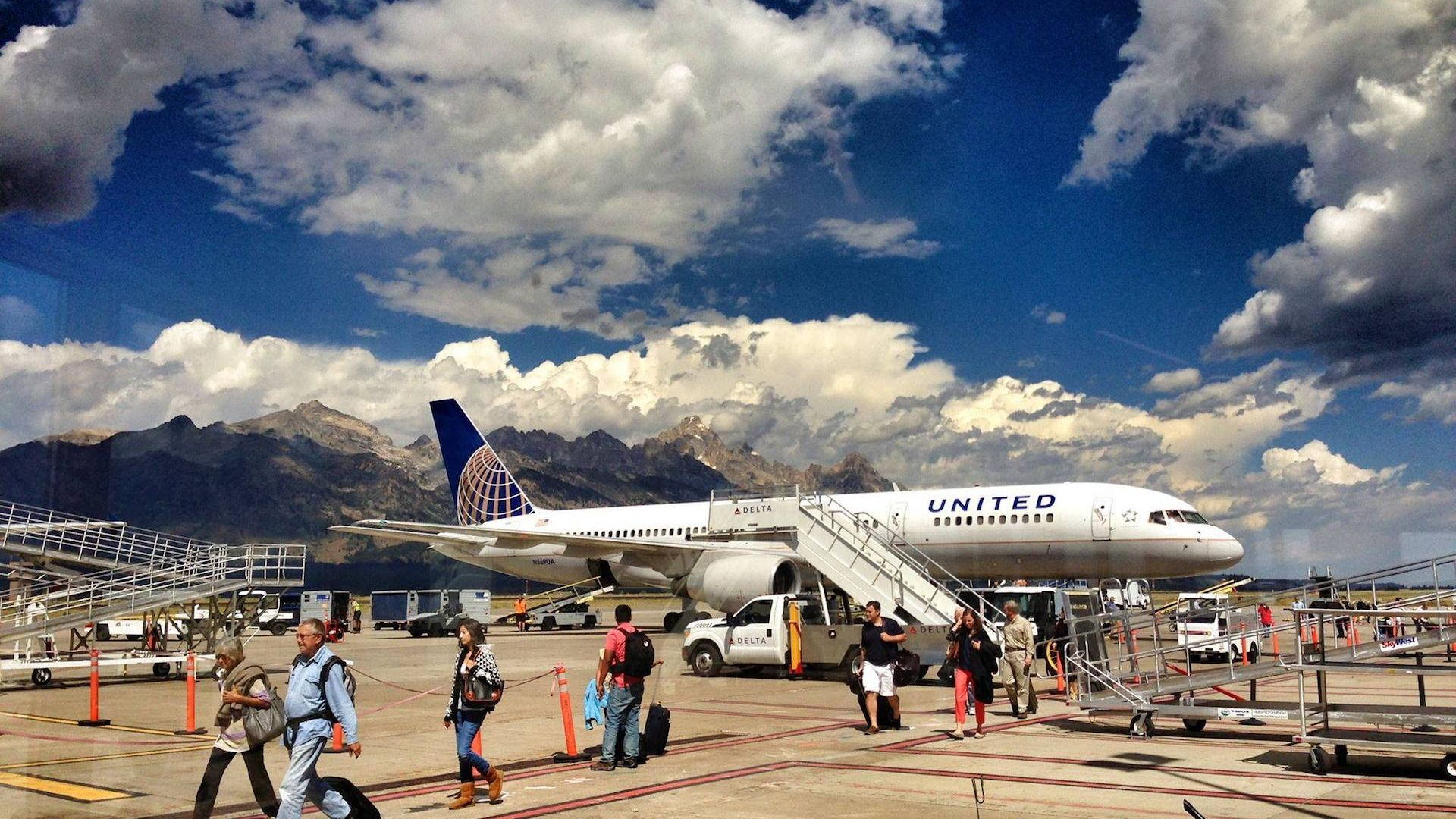 Jackson Hole Airport >> 4 Cool Things About Jackson Hole Airport