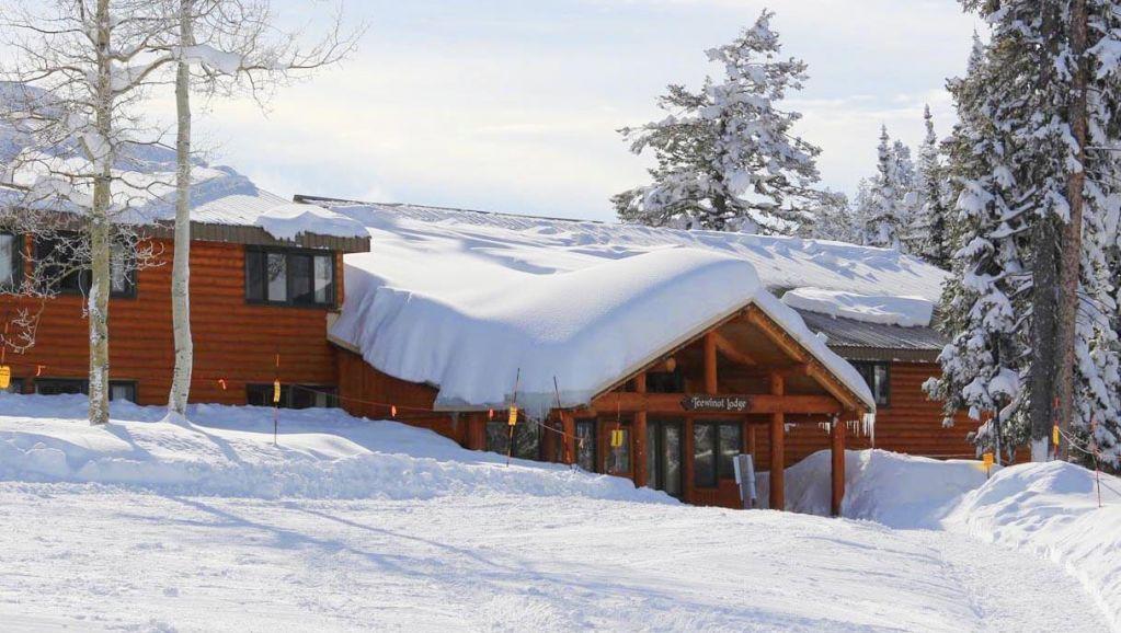 Teewinot Lodge