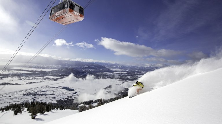 Which Is Best: Renting vs. Shipping Skis & Snowboards?