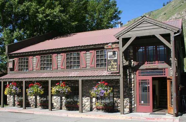 Summer Inn Exterior